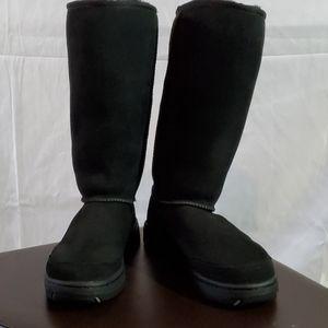 UGG SHEEP SKIN TALL BOOT WOMEN'S SZ 7
